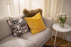 Уютный внутренний домашний дизайн стоковые изображения