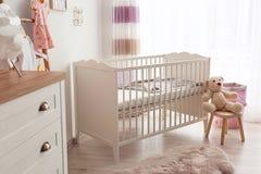 Уютный интерьер комнаты младенца Стоковые Фото