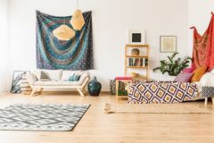 Уютный интерьер студии стоковое изображение