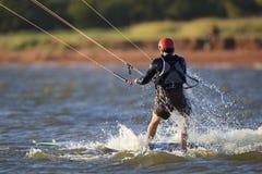 Улавливать последнюю волну на hefner озера Стоковые Фото