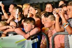 Удар бывших кандидатов X-фактора 4-ый выполнил на ежегодных ночах лета Гибралтара Стоковые Фото