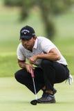 Удар, загоняющий мяч в лунку Pablo Larrazabal гольфа профессиональное Стоковое Фото