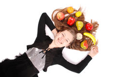 удерживание девушки свежих фруктов Стоковые Изображения