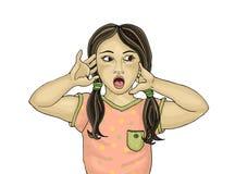 Удивленный ребенок с открытым ртом прочь смотрящ Стоковое Изображение RF
