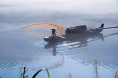 Удить на озере Dongjiang Стоковое Фото