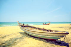 удить шлюпок пляжа Стоковое Фото