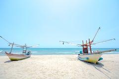 удить шлюпок пляжа Стоковое Изображение RF