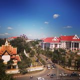 Улица виска дороги неба города Вьентьян Лаоса стоковое фото rf