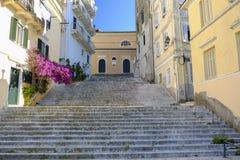 Улица в городке Корфу, Греции Стоковое Изображение