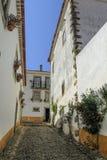 Улица в деревне Obidos, Португалии стоковые изображения rf