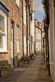 Улица в заливе Робина Гуда в Йоркшире в Англии Стоковые Изображения