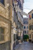 Улица в старом городке острова Корфу, Греции Стоковые Изображения RF