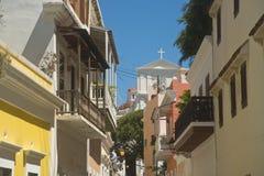 Улица в старом Сан-Хуане, Пуэрто-Рико Стоковые Изображения RF