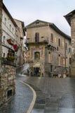 Улица в Assisi, Италии стоковые фотографии rf