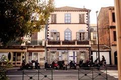 Улица в St Tropez стоковые изображения rf