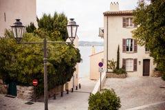 Улица в St Tropez стоковое изображение rf