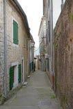 Улица городка Herceg-Novi старого Стоковые Фото