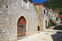 Улица городка Ston, полуострова Peljesac, Хорватии Стоковые Изображения