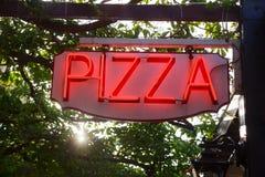 улица знака ресторана пиццы рекламы takeway Стоковое фото RF