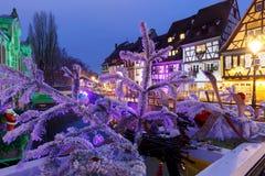 Улица на ноче, Кольмар рождества, Эльзас, Франция Стоковые Изображения RF