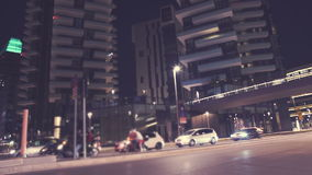 Улица, пешеходный мост и небоскребы видеоматериал