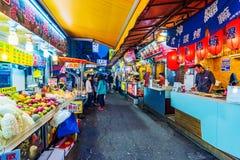 Улица рынка в Ximending стоковое изображение