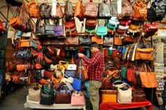 улица рынка florence Италии кожаная Стоковые Фотографии RF