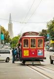 Улица Сан-Франциско с старомодным фуникулером Стоковая Фотография
