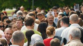 Улица толпить с людьми акции видеоматериалы