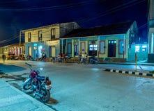 Улица Baracoa на ноче Кубе Стоковые Изображения RF