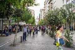 Улица Ermou в Афинах стоковое изображение