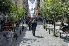 Улица Ermou в Афинах стоковые изображения rf