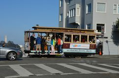 улица hyde и ломбарда в поезде Сан-Франциско Стоковое Фото