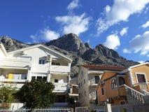Улица Kotor с домами для гостей Стоковое фото RF