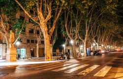 Улица Rambla Ла в основе Palma de Mallorca на ноче, Испании стоковое изображение rf