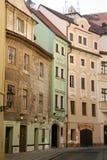Улица Seminarska старого городка Праги Стоковые Изображения RF
