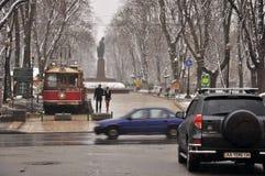 Улицы города и парк, дождь и снег, пары Стоковая Фотография