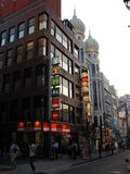 Улицы и здания токио в после полудня Стоковое Фото