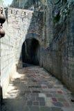 Улицы Kotor, Черногории Взгляд на старом городке ЮНЕСКО городка внутри Стоковая Фотография