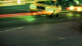 Улицы NYC, такси, движение & люди (монтаж) видеоматериал