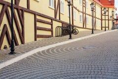 Уличные светы и автостоянка для велосипеда стоковое фото