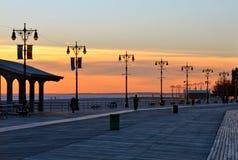 Уличные фонари пляжа Брайтона, Нью-Йорка. стоковое изображение