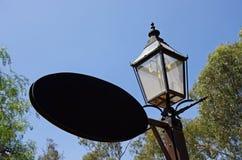 Уличный свет и знак газа Стоковые Фотографии RF