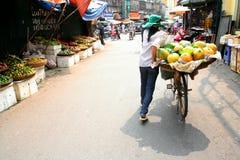 Уличный торговец Ханоя стоковые изображения