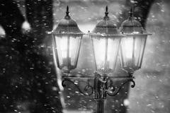 Уличный фонарь в зиме Стоковое Изображение RF