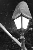 Уличный фонарь в снеге Стоковое Изображение RF