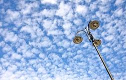 Уличный фонарь против неба Стоковая Фотография RF