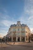 Уловка, Болгария - 6-ое марта 2016: Старое восстановленное здание с богатым украшением в уловке, Болгарией стоковая фотография