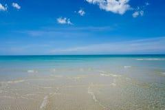 Улучшите seascape беспечального рая тропический на острове Samui Стоковая Фотография