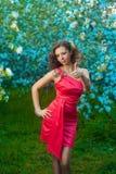 Улыбки женщины и счастливое Стоковые Фотографии RF